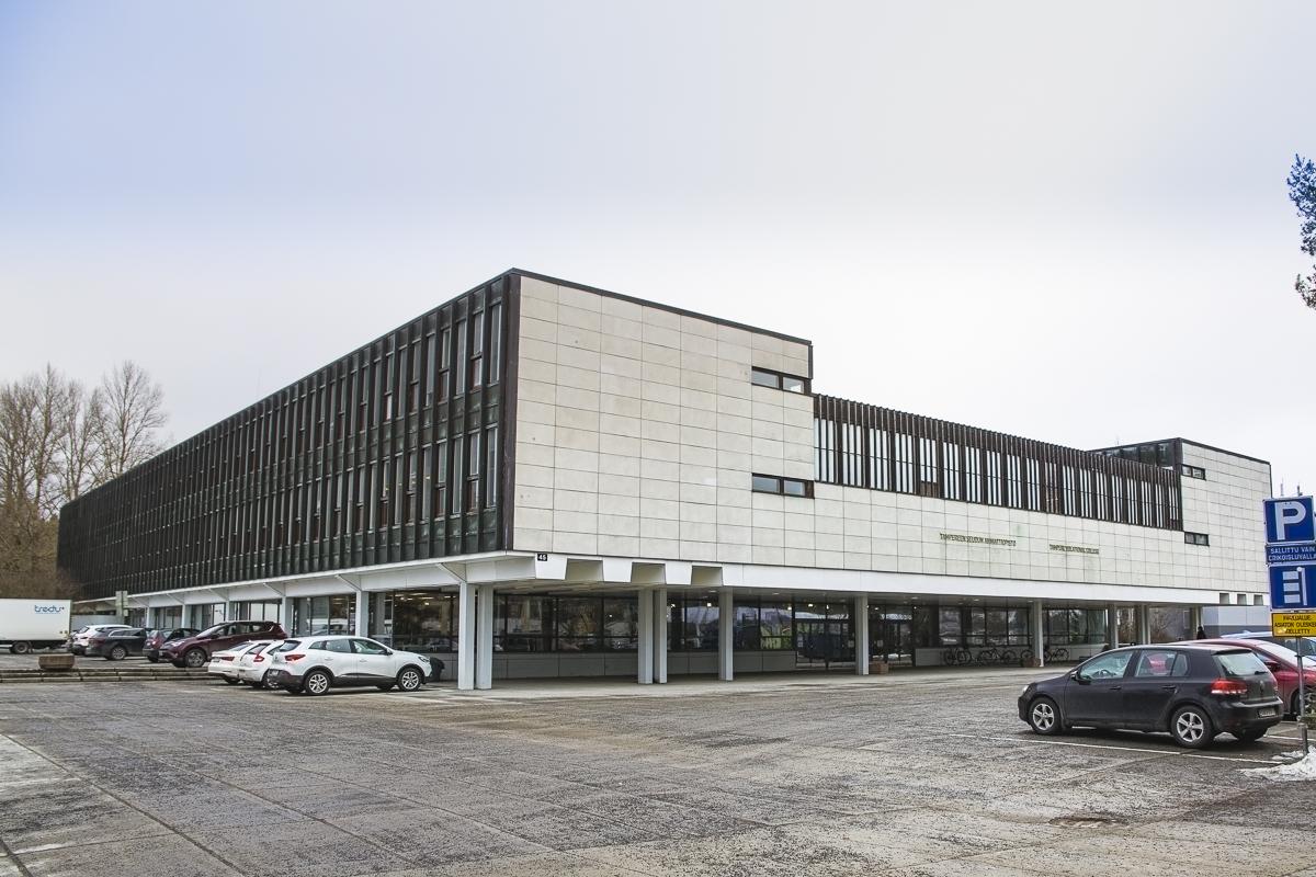 Tampereen toimipaikan rakennus Sammonkadulla.